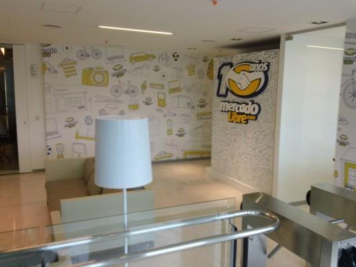 Y una vista más de la entrada a la empresa.