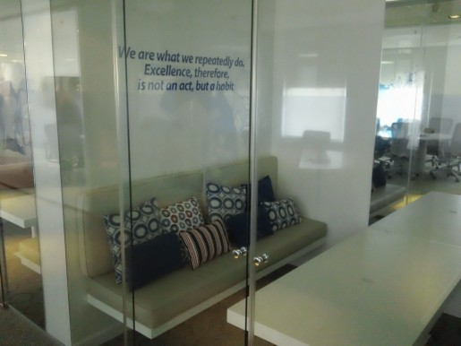 Otra sala de reuniones.