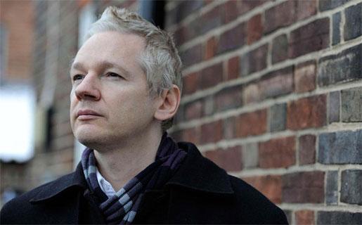 """Assange dice que al añadir amigos a la red social se le está haciendo """"gratis"""" el trabajo a los espías estadounidenses."""