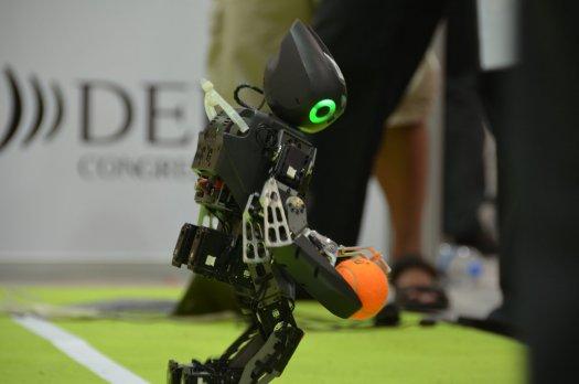 ¿Lograrán los robots vencer a los humanos en un partido de fútbol antes del 2050?
