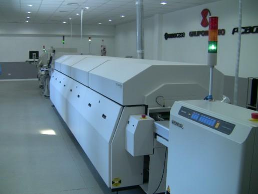 El equipamiento ayuda a automatizar la confección, revelado y cocción de la plaqueta, además de permitir el soldado de sus componentes.