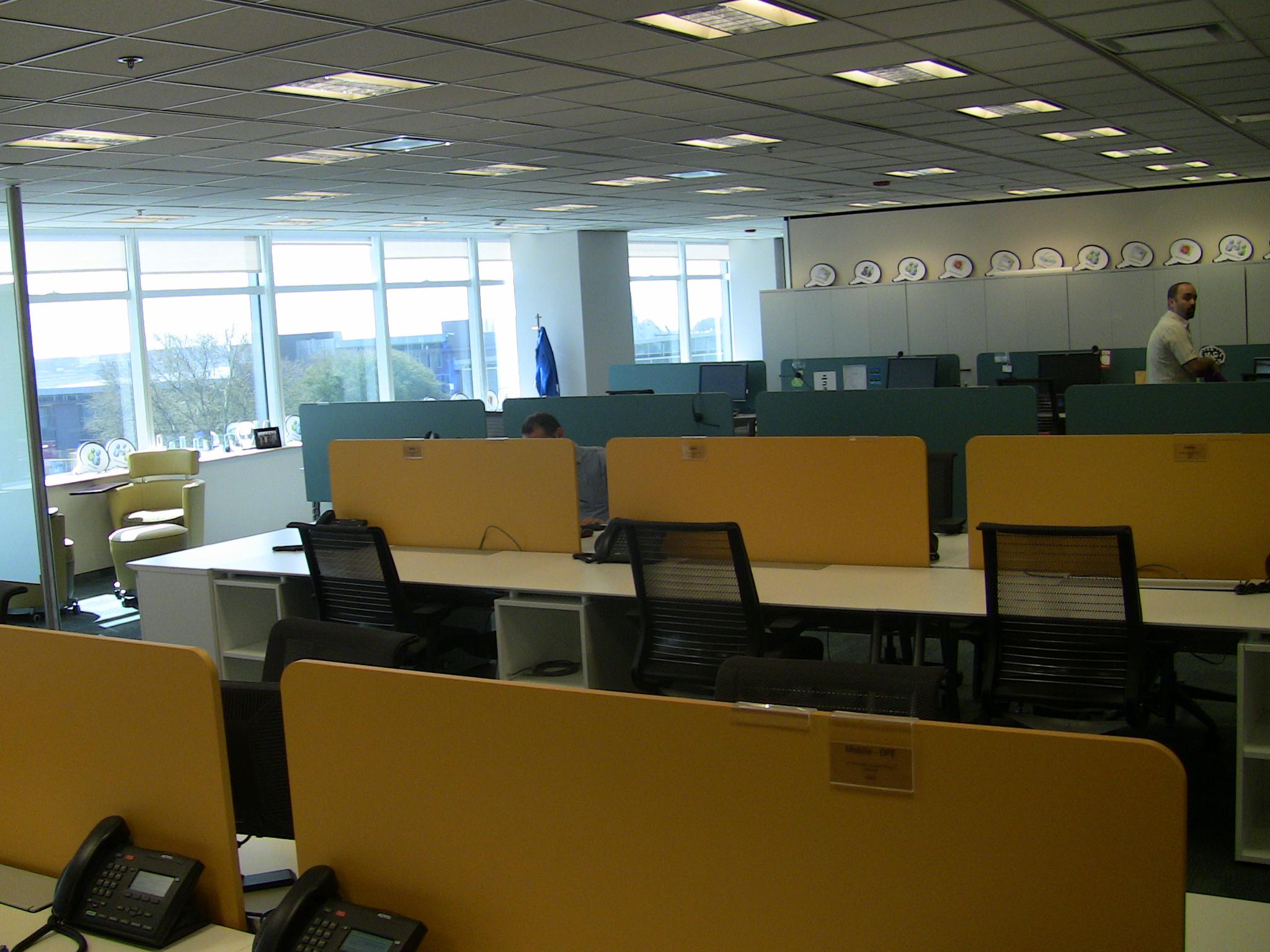 Recorrido fotogr fico por las nuevas oficinas de microsoft for Oficinas de microsoft