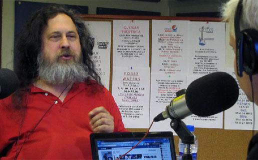 Stallman entrevistado por Juan Di Natale (Foto: Rock&Pop)
