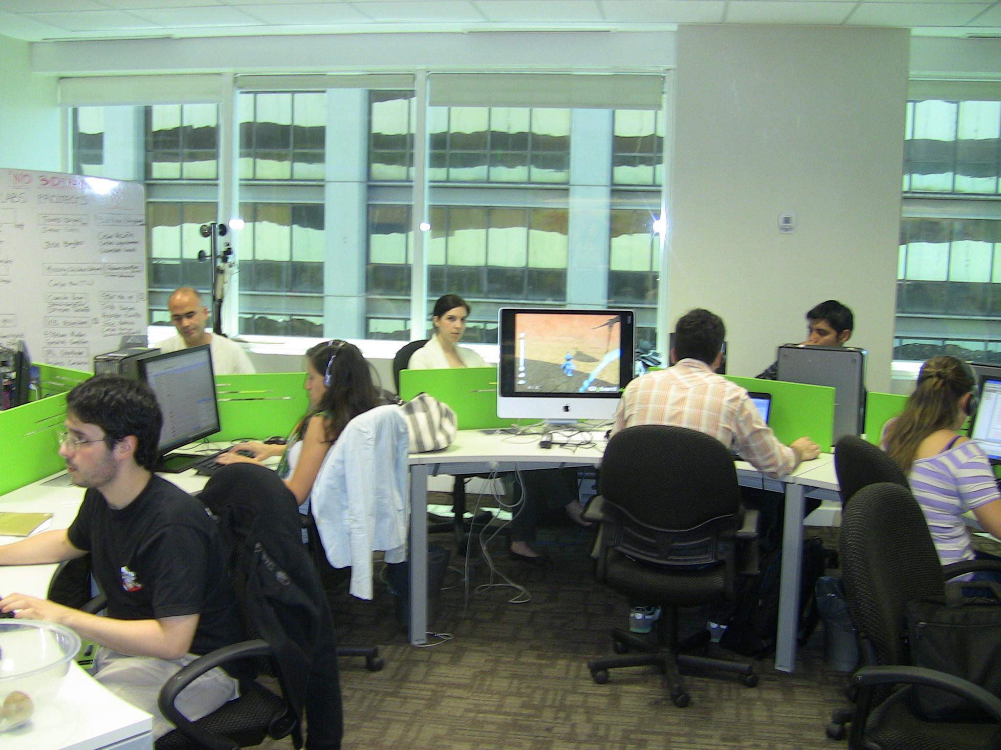Galer a de im genes las nuevas oficinas de globant en for Imagenes de oficinas