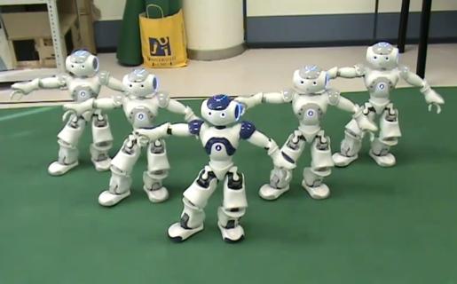 No son The Jackson Five, sino un quintento de robots danzarines que ejecutan Trhiller.