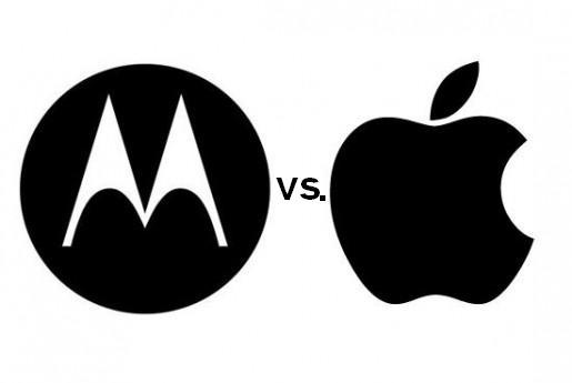 Una vez más se enfrentan Apple y Motorola, y nuevamente es por las patentes que la firma de equipos móviles le niega a la manzana.