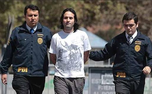 Cristián Álvarez Rojas en el momento de su detención (Crédito: El Mercurio Online)