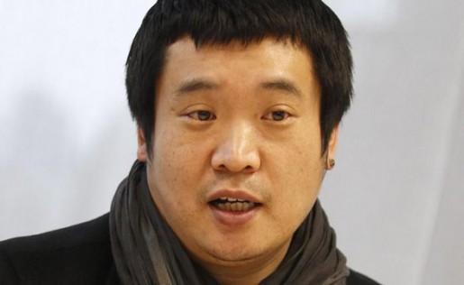 El diseñador en jefe de Samsung se siente ofendido porque lo acusan de plagiar a Apple con sus diseños.