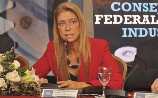 Ministra de Industria, Débora Giorgi.