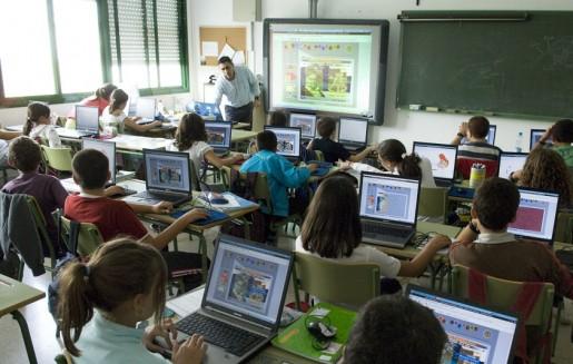 La enseñanza de la Informática en el ámbito educativo no puede reducirse a un entrenamiento ofimático, aunque también es cierto que no puede excluirlo.