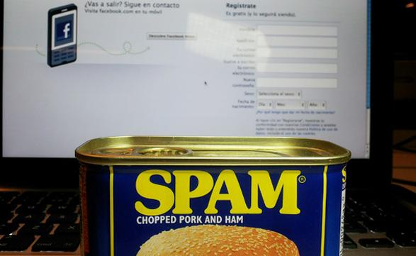 Facebook tampoco está exento de la plaga del spam.