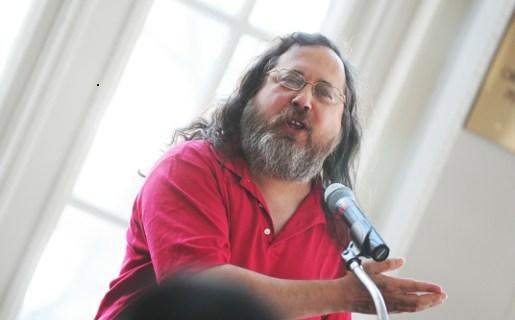 """""""El Estado tiene el deber y la responsabilidad de mantener el control de su informática y eso se logra con software libre"""", asegura Stallman."""