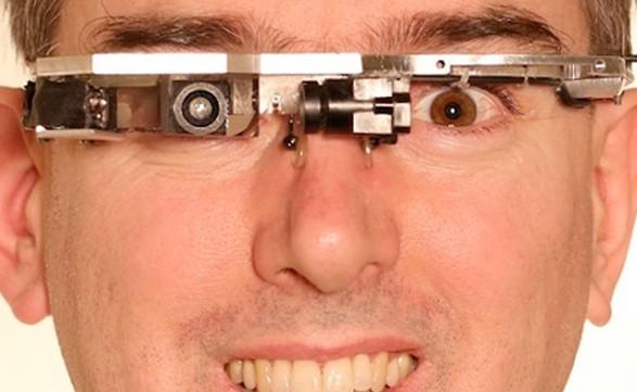 Steve Mann: Sus estudios sobre la realidad aumentada aplicada a la salud visual se remontan treinta años atrás.