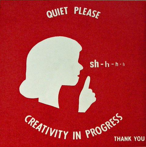 Silencio por favor. creatividad en curso