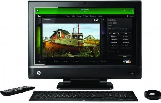 La TouchSmat 610 con sus elegantes periféricos. El control remoto permite controlar la TV y también Windows