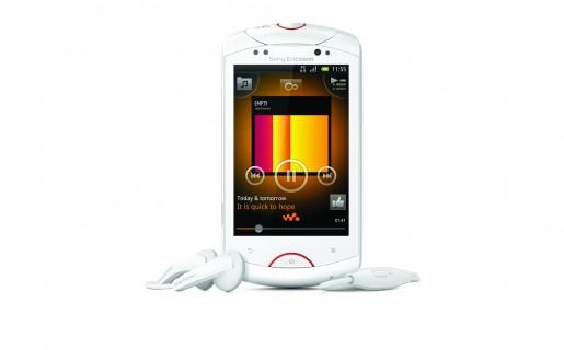El Live with Walkman es un smartphone Android con nicho propio: es primero un reproductor musical, y luego un teléfono inteligente.