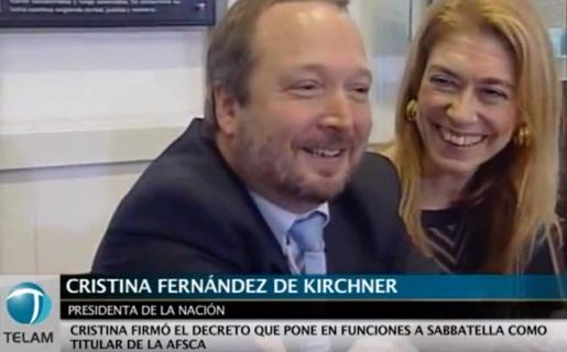 Martín Sabatella junto a la Ministra de Industria Débora Giorgi, durante la designación oficial en el AFSCA. (Captura YouTube de Télam)