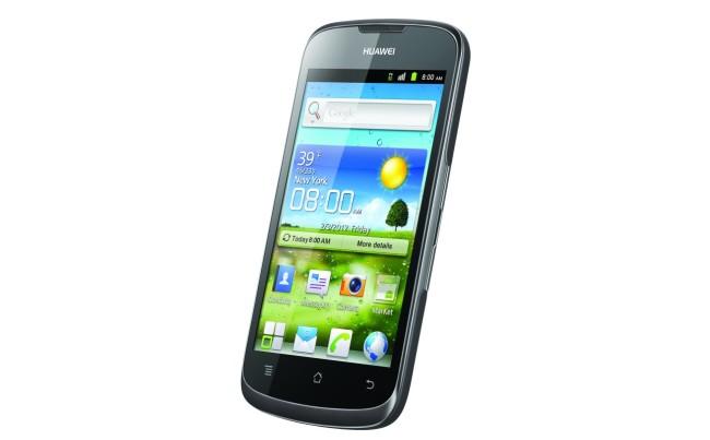 Este es el Huawei G300, un smartphone de gama media con ICS y una excelente pantalla IPS