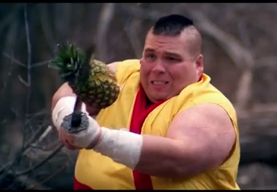 """Fruit Ninja in Real Life to Dubstep"", o como destrozar kilos y kilos de fruta en pocos minutos"
