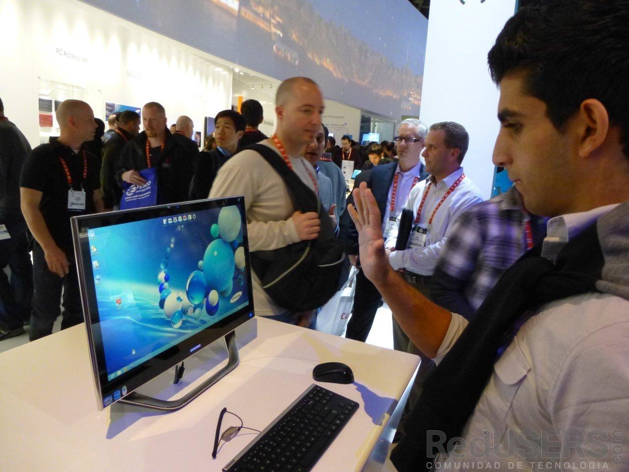 Los monitores con detección de movimientos, otra de las atracciones del espacio Samsung