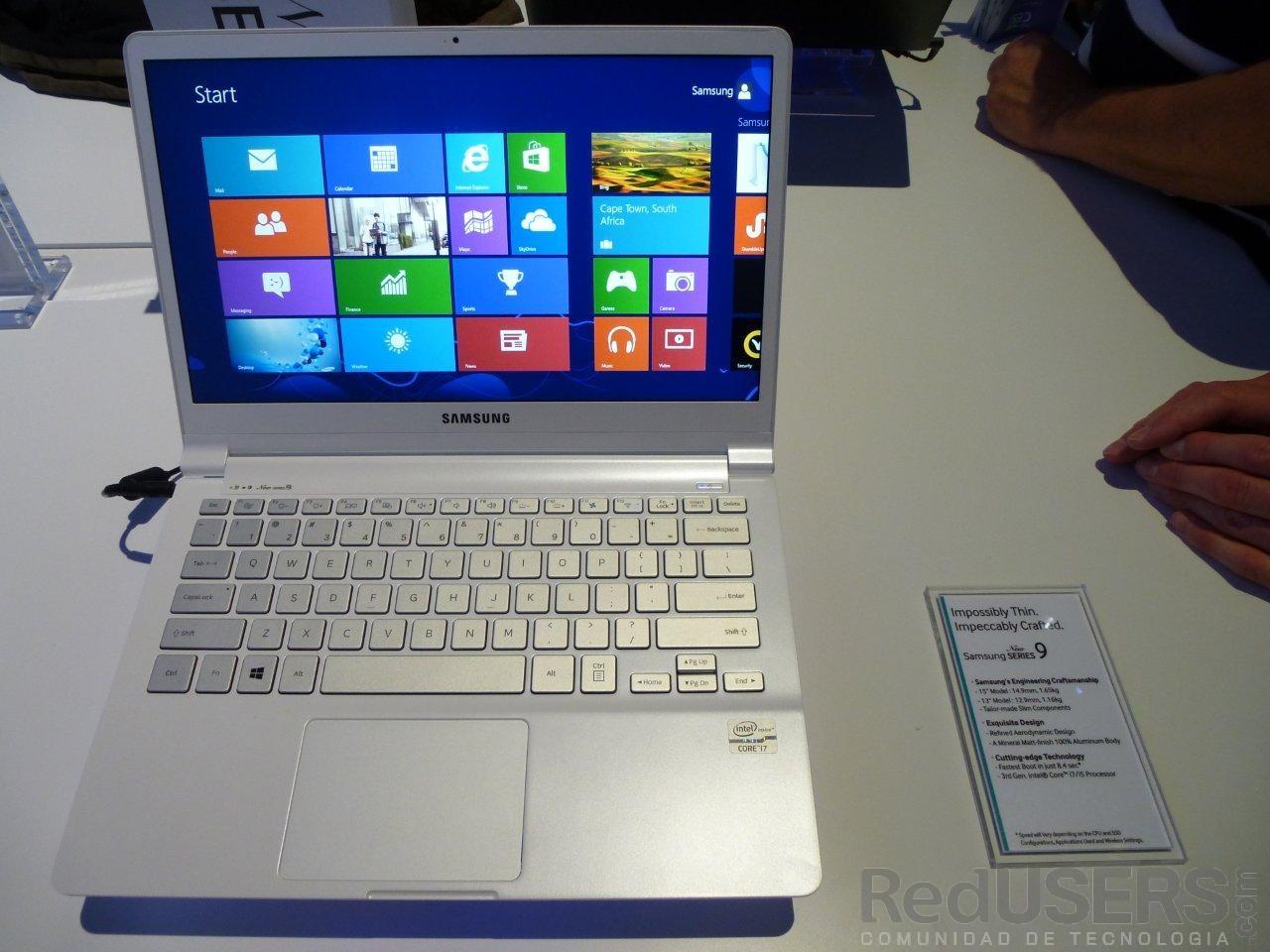 """La renovada Serie 9, una de las """"joyitas"""" del booth de Samsung en la CES 2013"""