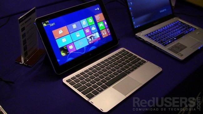 La línea de tablets con Windows 8 de Gigabyte vienen con un dock con teclado.