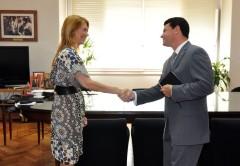 Débora Giorgi, ministra de Industria; y Martín Álvarez, director ejecutivo de Dell para Latinoamérica.