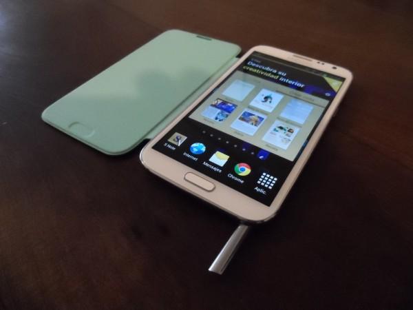 """El """"super"""" teléfono de Samsung llegó a Argentina y en RedUSERS lo testeamos a fondo"""