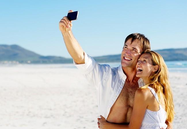 El smartphone irá con nosotros de vacaciones: ¿qué apps le instalaremos?