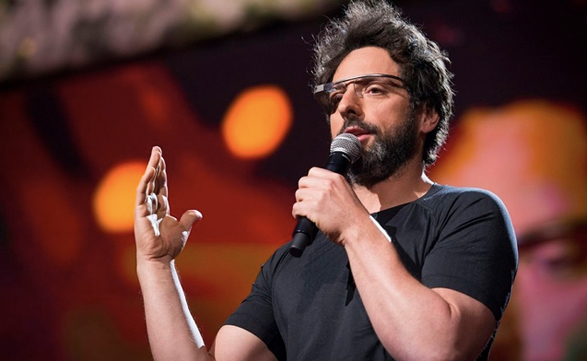 Sergey Brin y Google Glass sorprendieron a la audiencia durante el ciclo de conferencias TED.