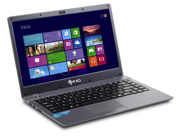La computadora con Windows 8. La pantalla se destaca por el contraste y sus buenos ángulos de visión.