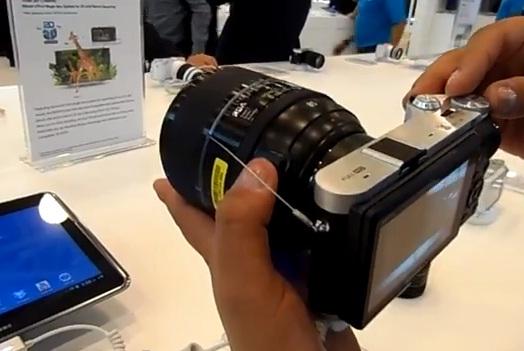 La NX 300 es un fiel exponente de la alta gama de productos de Samsung