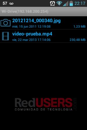 La interfaz del explorador de archivos es bastante minimalista.