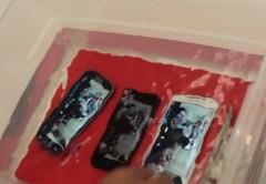 Según SquareTrade, mientras que el Galaxy S4 fue ligeramente mejor a su predecesor al sumergirse, en el resto de las pruebas fue superado por el smartphone de Apple.