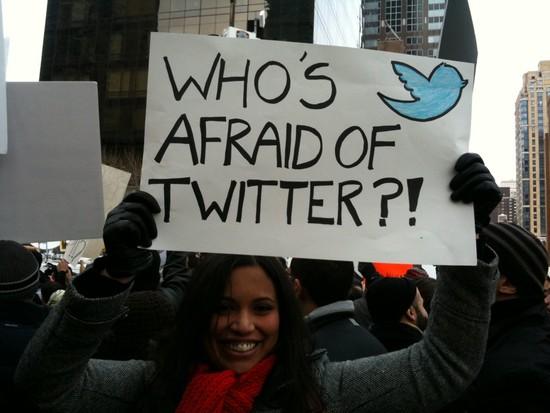 """Abdul Aziz al ash-Shaikh dijo que las personas que usan Twitter """"han perdido este mundo y el más allá""""."""