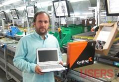 Patricio Kolker, gerente comercial de Corporate Corp, con el producto terminado.