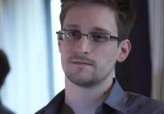Snowden está en una situación legal complicada según los expertos, por revelar información confidencial.