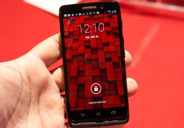 La familia DROID tendrá dos tamaños de pantalla: 4.3 y 5 pulgadas (foto: TheVerge.com)