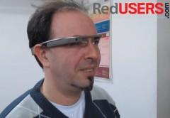 Sí, muchachos. Nos pusimos los Google Glass para mostrarles cómo funcionan.