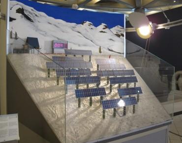 Aquí se simula el rendimiento de un campo de paneles solares, conforme transcurre el día y la posición del sol.