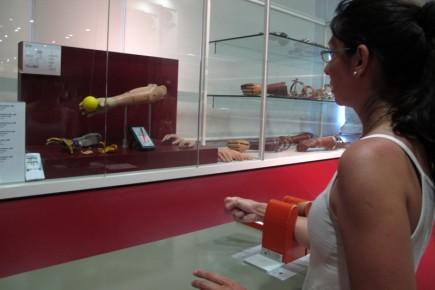 En el museo se puede apreciar la tecnología robótica aplicada a la fabricación de prótesis.