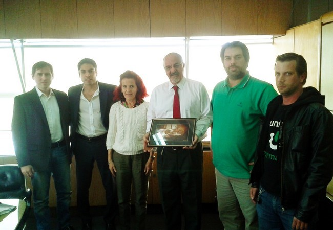 Carlos Tomada (centro), a su izquierda Pablo Dor{in, Secretario General de UI.