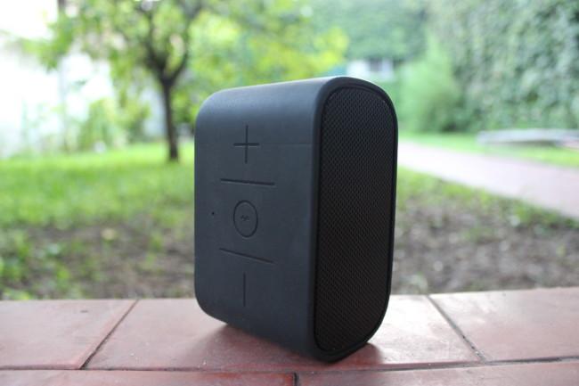 Los botones de la parte superior son cómodos y se sienten muy resistentes.