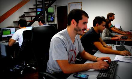 Oficina de AZSportech, donde se recopilan los datos de los partidos y se realiza el desarrollo de la plataforma.