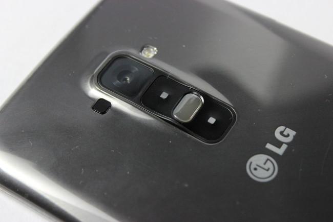 Un aspecto interesante del botón de bloqueo es que posee un LED de notificaciones en el interior, para enterarnos si tenemos un mensaje incluso con el teléfono boca abajo.