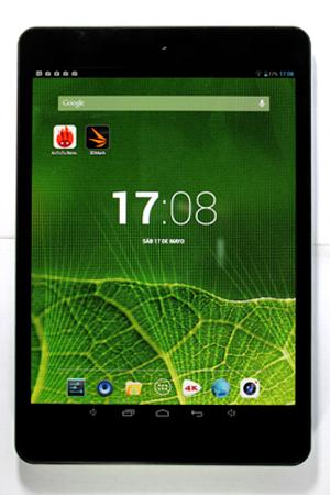 Los bordes laterales angostos, le permiten que a pesar de la relación de aspecto de 4:3, se parezca mucho a otras tablets del mercado.