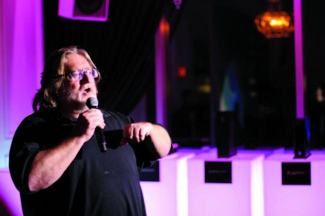 Gabe Newell explica que Windows le queda chico a Valve. Así que se armó su sistema.