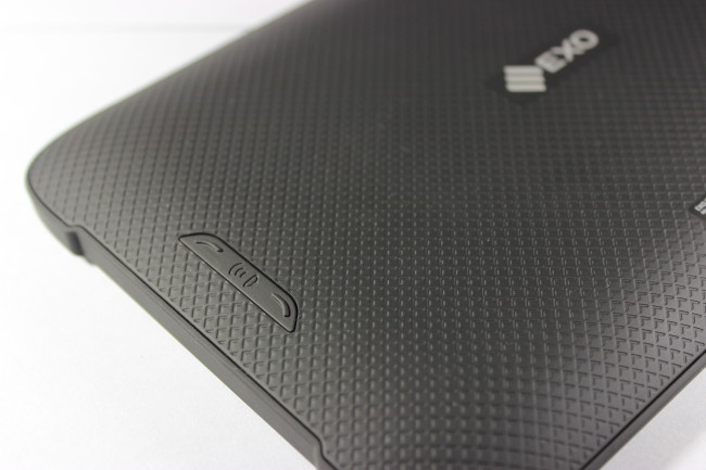 En detalle, los botones traseros que controlan el volumen de la Wave.