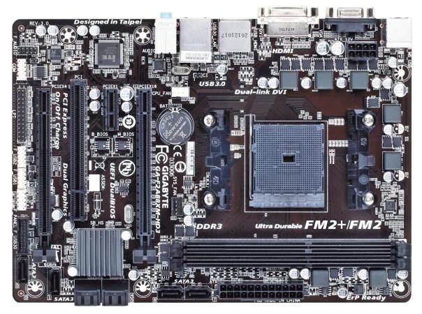 En este motherboard tenemos sólo dos zócalos para memoria RAM, lo que ayuda a mantener un tamaño reducido.