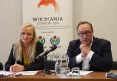 Autoridades de Wikimedia en la presentación del informe de transparencia 2014 en Londres.